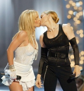 Britney kisses Madonna